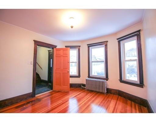 Picture 5 of 22 Piedmont St Unit 2 Salem Ma 2 Bedroom Rental