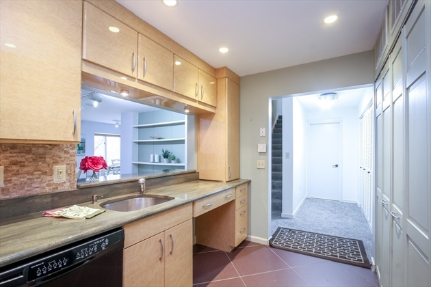 Picture 8 of 60 Ober Rd Unit 60 Newton Ma 3 Bedroom Condo