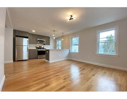 Picture 1 of 33 Upham St Unit 33-3 Salem Ma  4 Bedroom Rental#