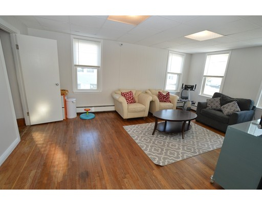 Picture 6 of 11 Marlborough Rd  Salem Ma 3 Bedroom Single Family
