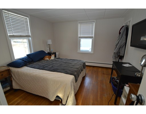 Picture 10 of 11 Marlborough Rd  Salem Ma 3 Bedroom Single Family