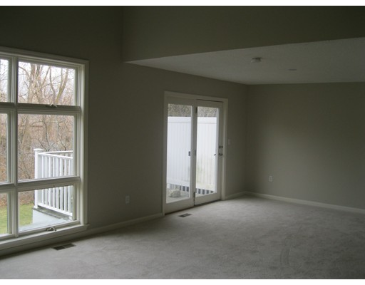 Picture 6 of 15 Kings Way Unit 51 Waltham Ma 2 Bedroom Condo