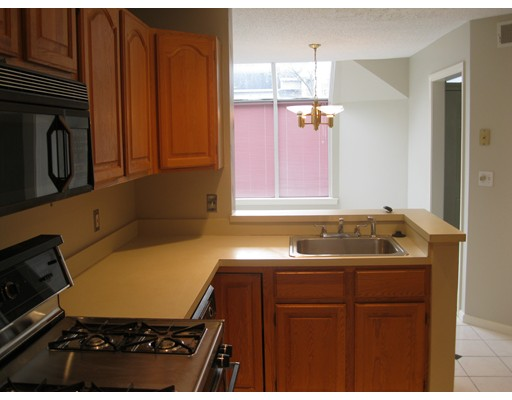Picture 9 of 15 Kings Way Unit 51 Waltham Ma 2 Bedroom Condo