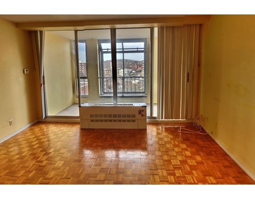 Picture 3 of 33 Pond Ave Unit 808 Brookline Ma 1 Bedroom Condo