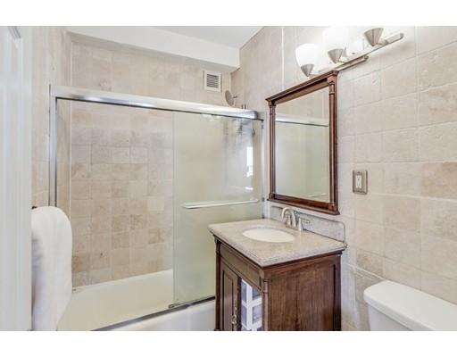 Picture 13 of 65 East India Row Unit 16e Boston Ma 1 Bedroom Condo