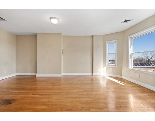 Picture 9 of 5 Everett Ave Unit 3 Boston Ma 2 Bedroom Condo