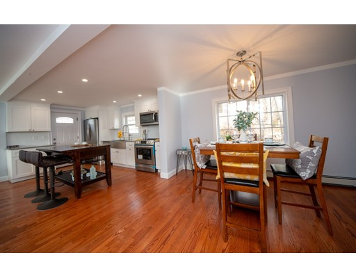 Picture 5 of 16 Lakeview Ter  Woburn Ma 4 Bedroom Single Family