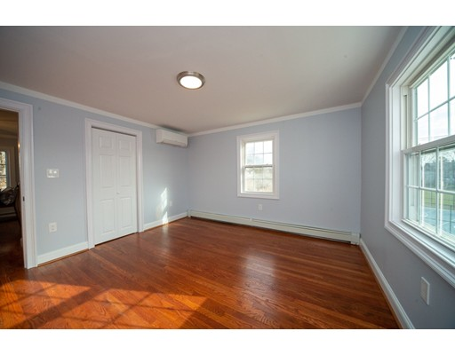 Picture 12 of 16 Lakeview Ter  Woburn Ma 4 Bedroom Single Family