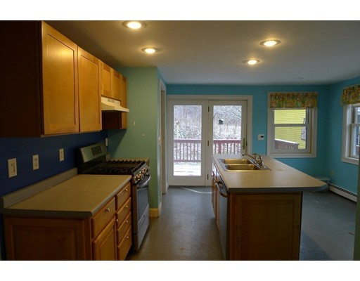 Picture 5 of 61 Orchard St  Amesbury Ma 4 Bedroom Single Family