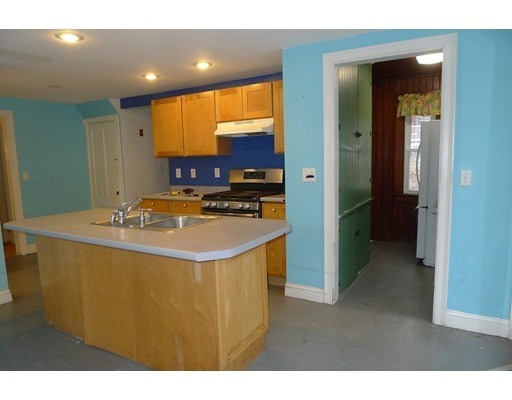 Picture 6 of 61 Orchard St  Amesbury Ma 4 Bedroom Single Family