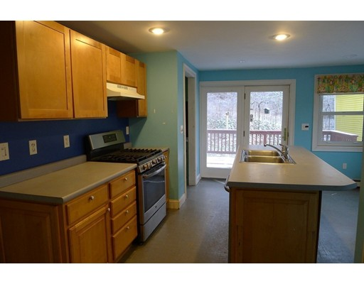 Picture 7 of 61 Orchard St  Amesbury Ma 4 Bedroom Single Family