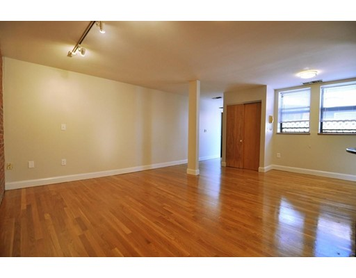 Picture 3 of 95 Gainsborough St Unit 408 Boston Ma 2 Bedroom Condo