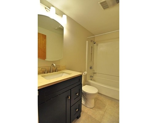 Picture 9 of 95 Gainsborough St Unit 408 Boston Ma 2 Bedroom Condo