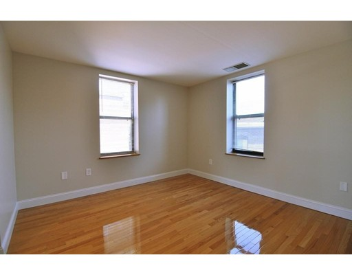 Picture 10 of 95 Gainsborough St Unit 408 Boston Ma 2 Bedroom Condo