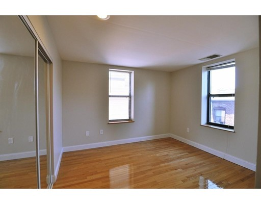 Picture 12 of 95 Gainsborough St Unit 408 Boston Ma 2 Bedroom Condo