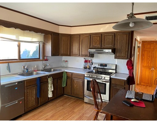 Picture 7 of 33 Hardwick Rd  Natick Ma 3 Bedroom Single Family