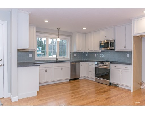 Picture 5 of 16 Tomahawk Dr  Billerica Ma 3 Bedroom Single Family