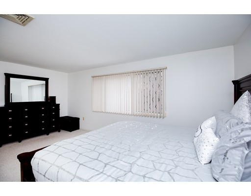 Picture 11 of 49 Farrwood Dr Unit 49 Haverhill Ma 3 Bedroom Condo
