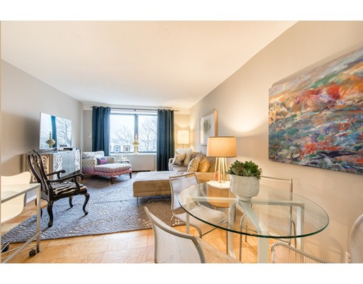 65 East India Row, 4D - Waterfront, MA