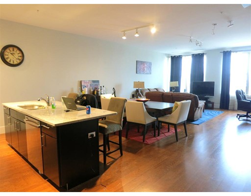 Photo of 154 W 2nd St #111