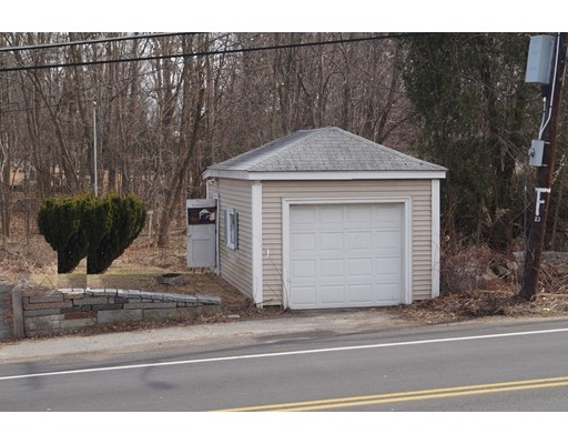 Picture 4 of 1483 Mammoth Rd  Dracut Ma 4 Bedroom Single Family