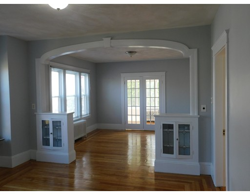 Pictures of  property for rent on Kinsman, Everett, MA 02149