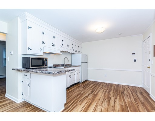 Picture 1 of 174 Tyngsboro Rd Unit 20 Chelmsford Ma  2 Bedroom Condo#