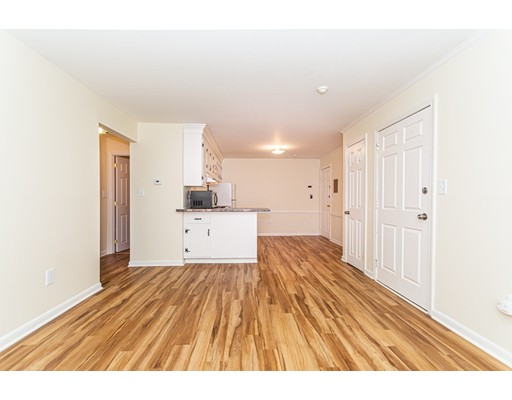 Picture 8 of 174 Tyngsboro Rd Unit 20 Chelmsford Ma 2 Bedroom Condo