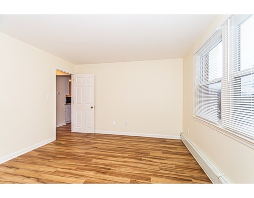 Picture 12 of 174 Tyngsboro Rd Unit 20 Chelmsford Ma 2 Bedroom Condo