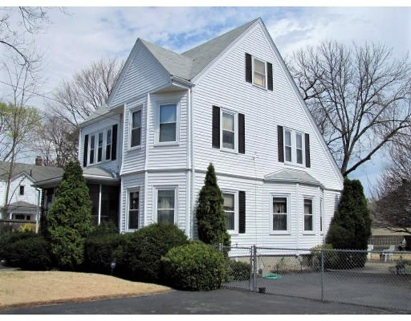 Picture 2 of 44 Thaxter Rd  Newton Ma 4 Bedroom Single Family