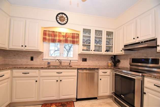Picture 5 of 44 Thaxter Rd  Newton Ma 4 Bedroom Single Family