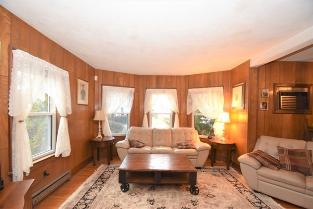 Picture 10 of 44 Thaxter Rd  Newton Ma 4 Bedroom Single Family