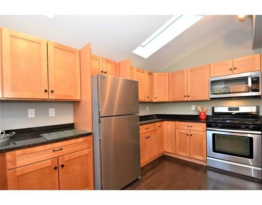 Picture 2 of 22 Washington Street Pl  Boston Ma 3 Bedroom Single Family