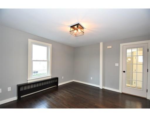 Picture 4 of 22 Washington Street Pl  Boston Ma 3 Bedroom Single Family