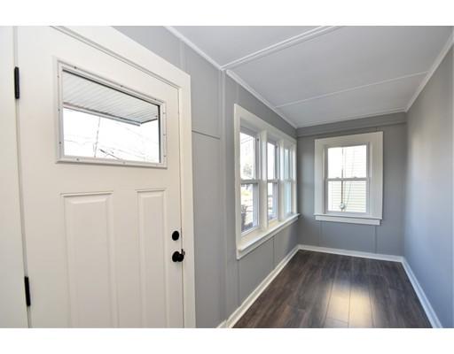 Picture 9 of 22 Washington Street Pl  Boston Ma 3 Bedroom Single Family