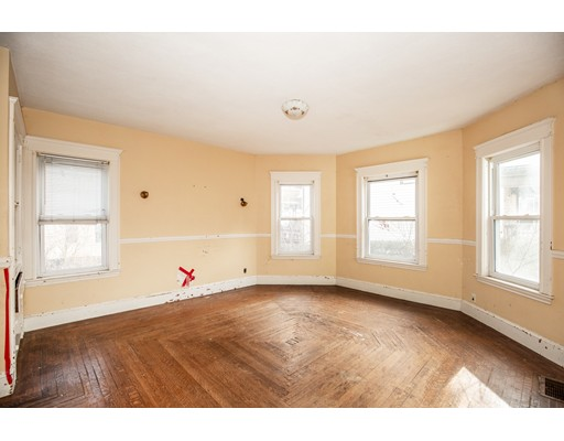 Picture 7 of 228 Poplar  Boston Ma 7 Bedroom Single Family