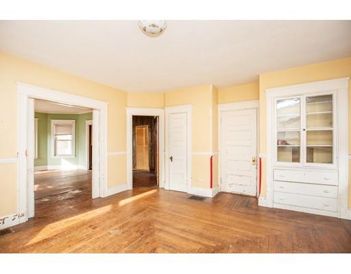 Picture 8 of 228 Poplar  Boston Ma 7 Bedroom Single Family