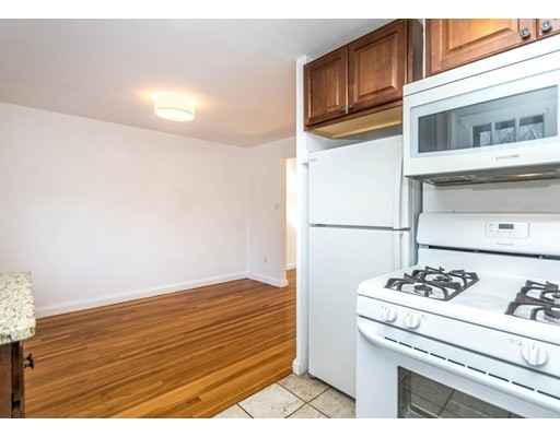 Picture 8 of 208 Church St Unit 208 Waltham Ma 2 Bedroom Condo