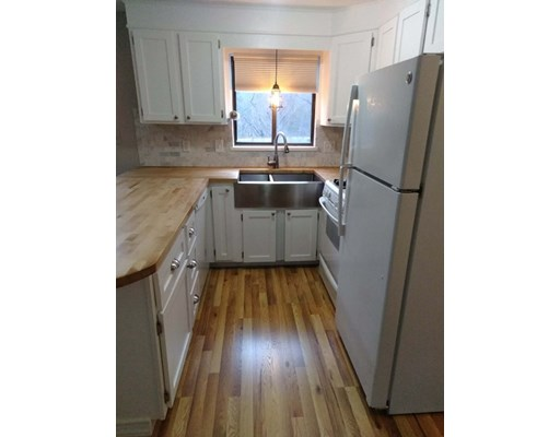 Picture 3 of 49 Lupine Rd Unit 3 Andover Ma 2 Bedroom Condo