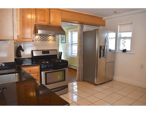 Picture 5 of 70 Carlisle St  Quincy Ma 3 Bedroom Single Family