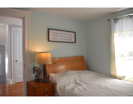 Picture 13 of 70 Carlisle St  Quincy Ma 3 Bedroom Single Family