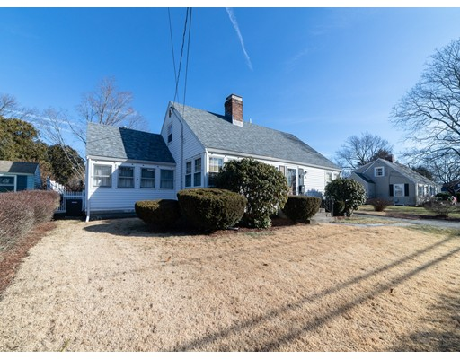 Picture 3 of 51 Candace Ave  Waltham Ma 4 Bedroom Single Family