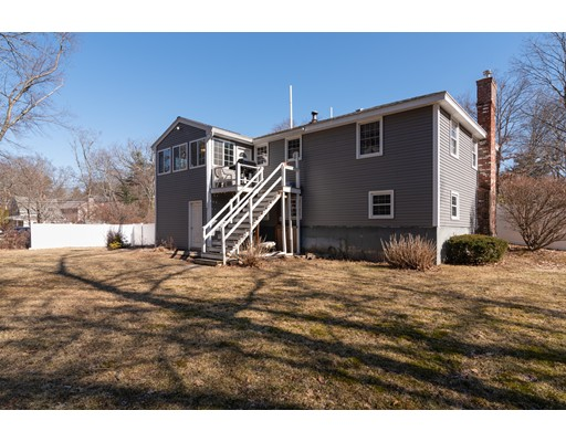 Picture 3 of 24 Swain Rd  Wilmington Ma 3 Bedroom Single Family