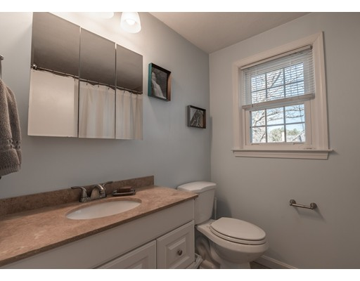 Picture 8 of 19 Meetinghouse Rd Unit 19 Acton Ma 2 Bedroom Condo