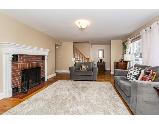 Picture 2 of 832 Riverside Dr  Methuen Ma 3 Bedroom Single Family