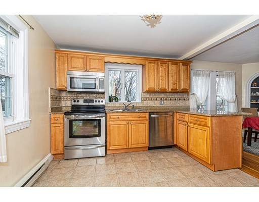 Picture 4 of 832 Riverside Dr  Methuen Ma 3 Bedroom Single Family