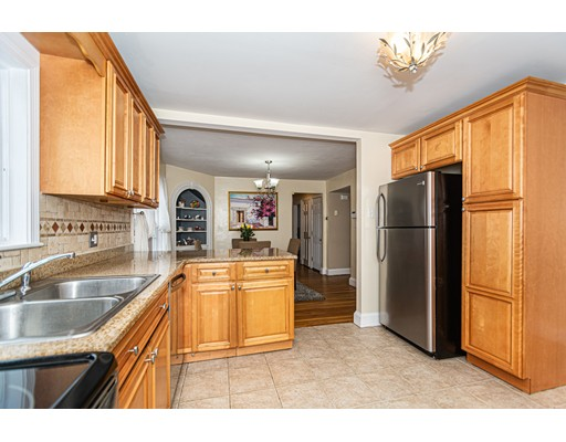 Picture 5 of 832 Riverside Dr  Methuen Ma 3 Bedroom Single Family