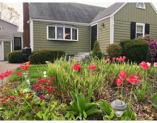 Picture 1 of 125 Bunker Hill Ln  Quincy Ma  3 Bedroom Single Family#