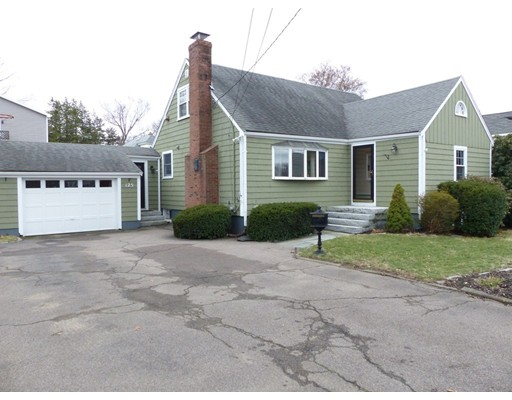 Picture 2 of 125 Bunker Hill Ln  Quincy Ma 3 Bedroom Single Family