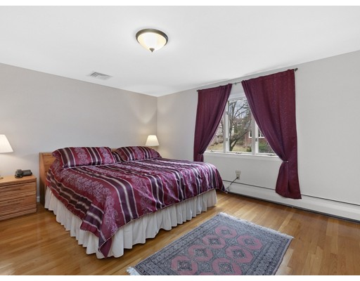 Picture 12 of 37 Slocum Rd  Boston Ma 3 Bedroom Single Family